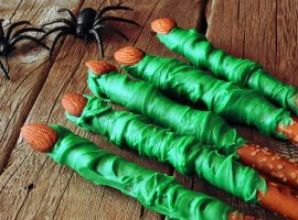 Halloween Treats - Witch's Finger Pretzel Rods